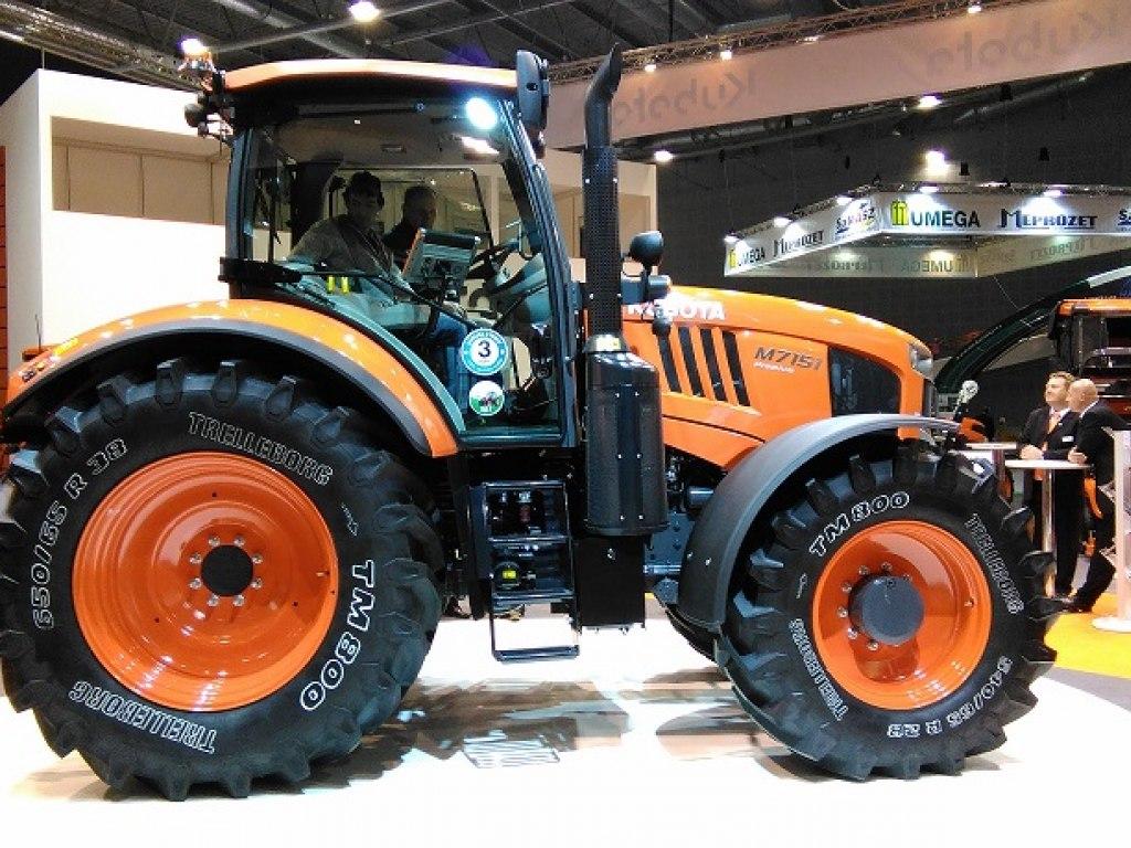 Traktor Kubota M7151 1